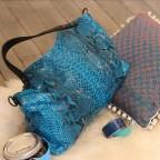 Napoly sac à main en python Turquoise motif