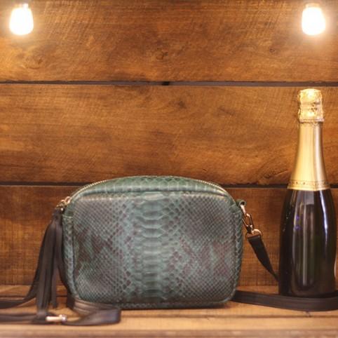 Camera Bag en Python vert bouteille