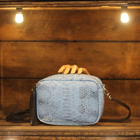 Camera Bag en Python light blue